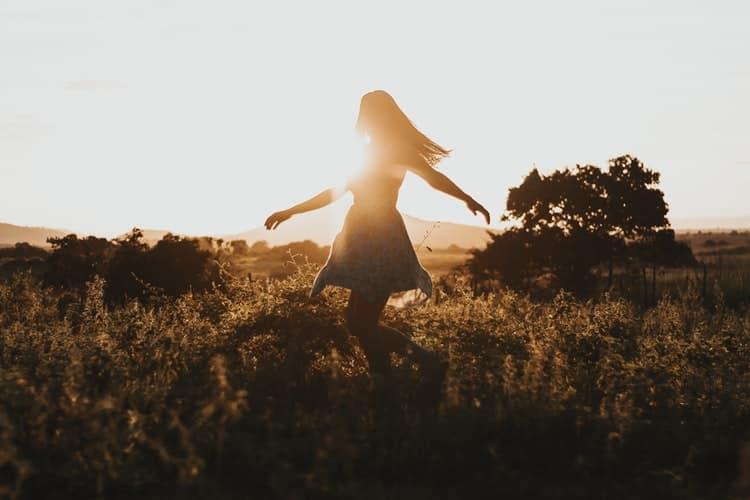 5 τρόποι που θα βοηθήσουν το μυαλό να πάψει να λειτουργεί βάσει του άγχους