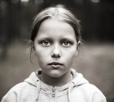 Διεθνής Ημέρα για την Εξάλειψη της φτώχειας: Η διεθνής κοινότητα αντιμέτωπη με την ακραία παιδική φτώχεια