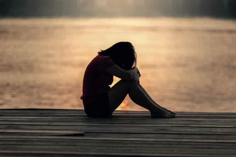 2 στους 5 εφήβους στην Ελλάδα δεν είναι ικανοποιημένοι από τη ζωή τους, σύμφωνα με το ΕΠΙΨΥ