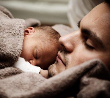 Ο γονιός γεννιέται μαζί με το παιδί του