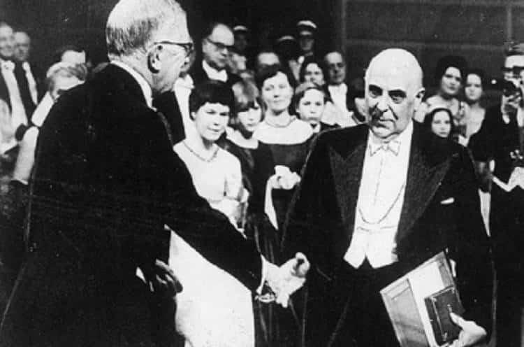 Σαν σήμερα το 1963 ανακοινώθηκε η βράβευση του Γιώργου Σεφέρη με το Νόμπελ Λογοτεχνίας