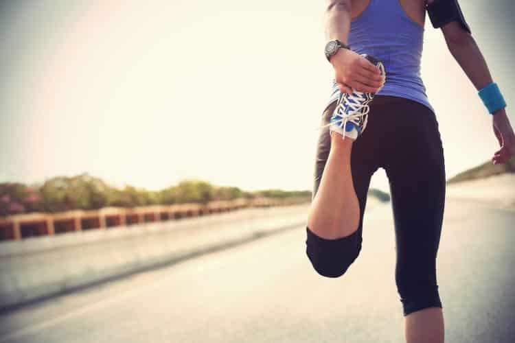 5 απλές διατάσεις που ανακουφίζουν από τον πόνο στο ισχίο