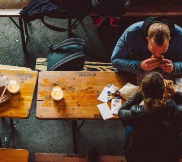 Comfort food: Γιατί τρώμε ανθυγιεινά όταν είμαστε θλιμμένοι