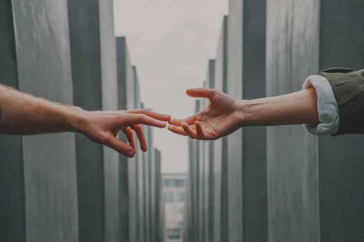 Εξαρτητική Διαταραχή της Προσωπικότητας: Ποια είναι τα συμπτώματα, οι αιτίες και οι τρόποι αντιμετώπισης
