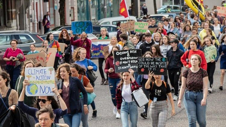 Η κλιματική αλλαγή γίνεται υποχρεωτικό μάθημα στα σχολεία της Ιταλίας