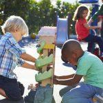 Μαθητές στην Ολλανδία δημιούργησαν παιχνίδι που αντιμετωπίζει τη μοναξιά στις σχολικές αυλές