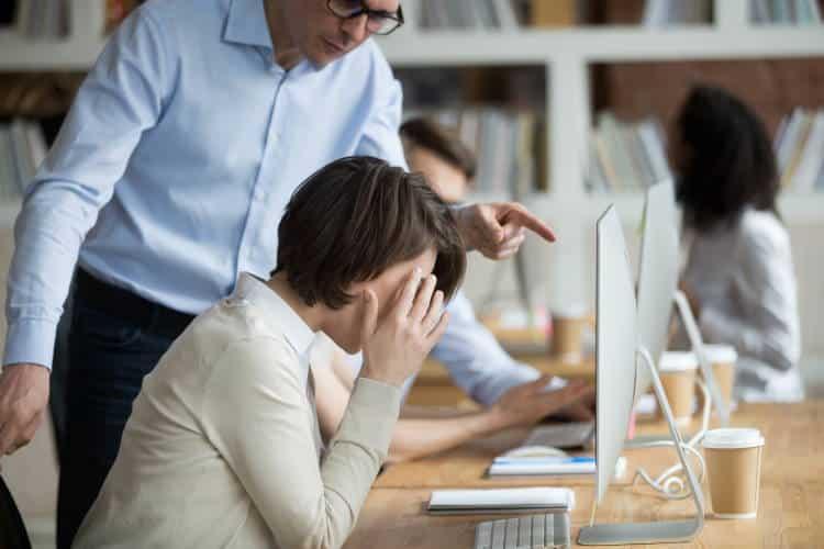 Mobbing: Το φαινόμενο του εκφοβισμού στον χώρο εργασίας - Αντιμετώπιση