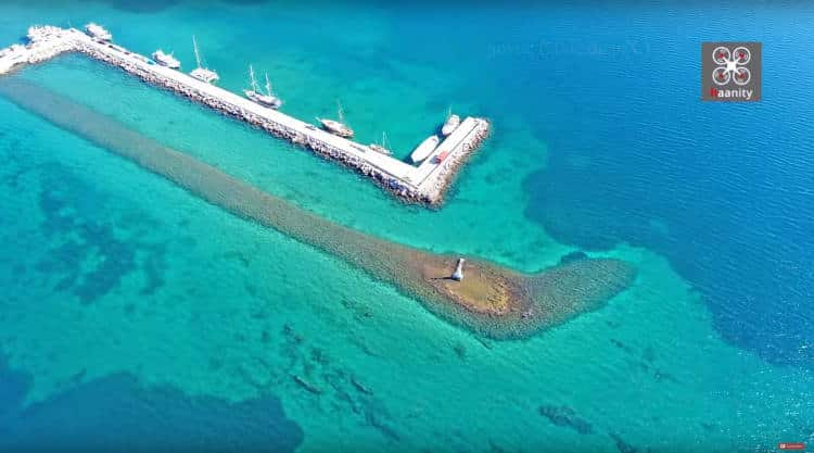 Το σύγχρονο συμβιώνει δίπλα στο παλιό -Το βυθισμένο λιμάνι της Αρχαίας Ερέτριας (Βίντεο)