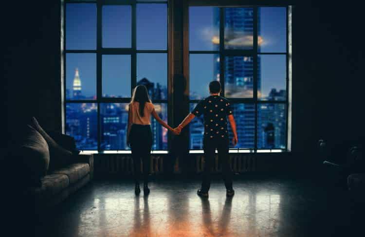 Θα είμαι εγώ εκεί τη στιγμή που κανένας άλλος δεν θα μπορεί να μείνει κοντά σου