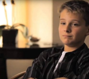 Ζώντας με το σύνδρομο Τουρέτ - Τα παιδιά μοιράζονται τις εμπειρίες τους (Βίντεο)