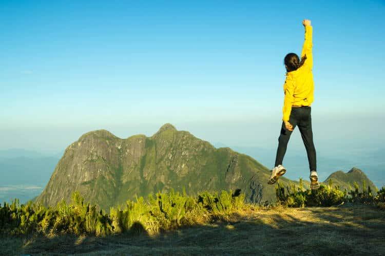 Υπάρχουν δύο κόμποι που χρειάζεται να λύσουμε για να εξελιχθούμε: οι πεποιθήσεις και οι φόβοι
