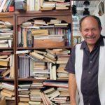 Κολομβία: Οδηγός απορριμματοφόρου έφτιαξε βιβλιοθήκη για τα φτωχά παιδιά μαζεύοντας βιβλία από τα σκουπίδια