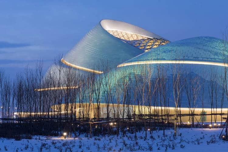 Μα Γιανσόνγκ: Ο αρχιτέκτονας που εμπνέεται από τη φύση για τα έργα του και αψηφά τις νόρμες (Βίντεο)