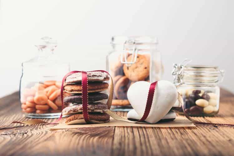 Ποιες τροφές επιδεινώνουν τη δυσκοιλιότητα και χρειάζεται να τις αποφεύγουμε