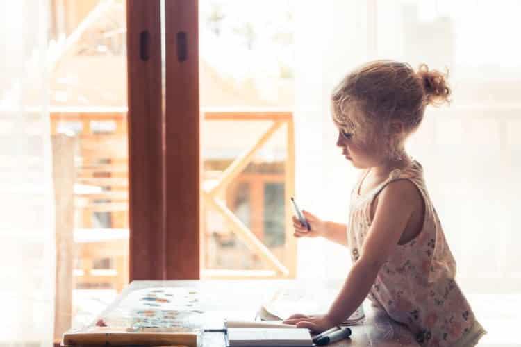 Πώς επηρεάζει η αυξητική ορμόνη την ανάπτυξη των παιδιών και ποιες είναι οι συνέπειες της έλλειψής της