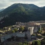Η καστροπολιτεία του Μυστρά μοιάζει βγαλμένη από παραμύθια ιπποτών (βίντεο)