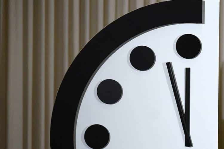Το «ρολόι της Αποκάλυψης» δείχνει πια 100 δευτερόλεπτα πριν από το τέλος του πλανήτη