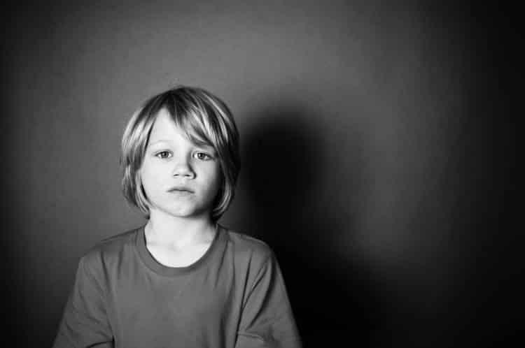 4 τρόποι που οι γονείς μπορούν να βλάψουν την αυτοεκτίμηση του παιδιού