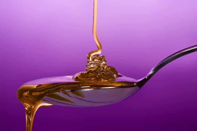 5 τρόποι να χρησιμοποιήσουμε το μέλι για την υγεία της επιδερμίδας