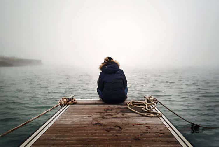 8 προειδοποιητικά σημάδια που δείχνουν ότι η ψυχική μας υγεία επιδεινώνεται