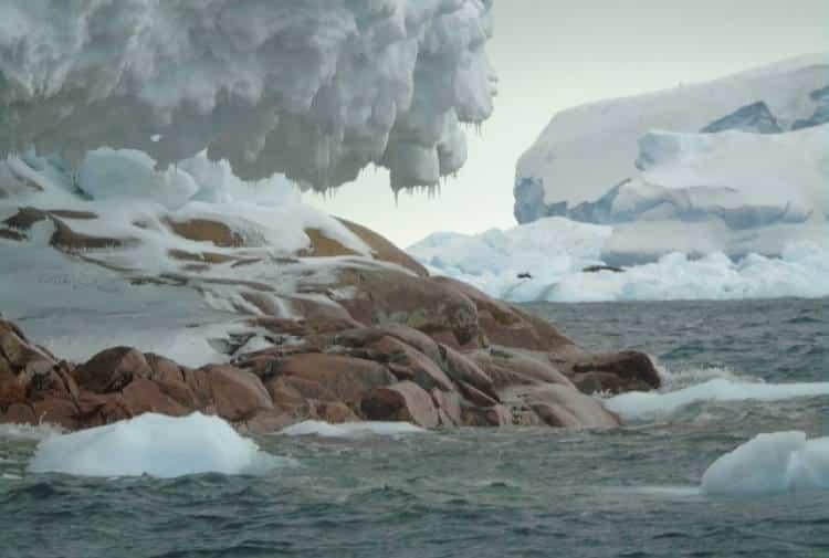 Ανταρκτική: Οι παγετώνες λιώνουν λόγω της κλιματικής αλλαγής και αποκαλύπτουν ένα νέο νησί