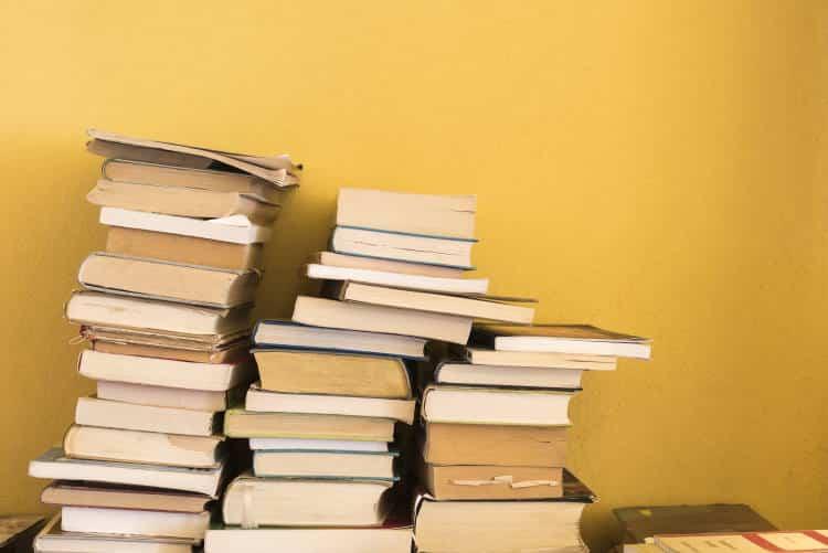 Παζάρι βιβλίου στο Πολεμικό Μουσείο από τις εκδόσεις Εν πλω για καλό σκοπό
