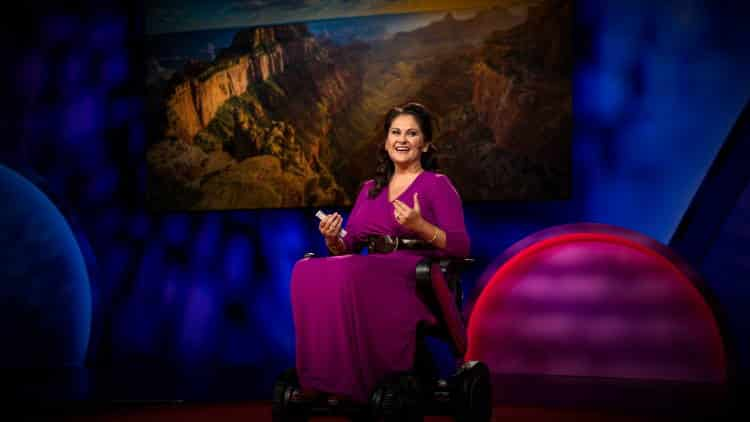 Cara E. Yar Khan: Η όμορφη ισορροπία ανάμεσα στο θάρρος και το φόβο (Βίντεο)
