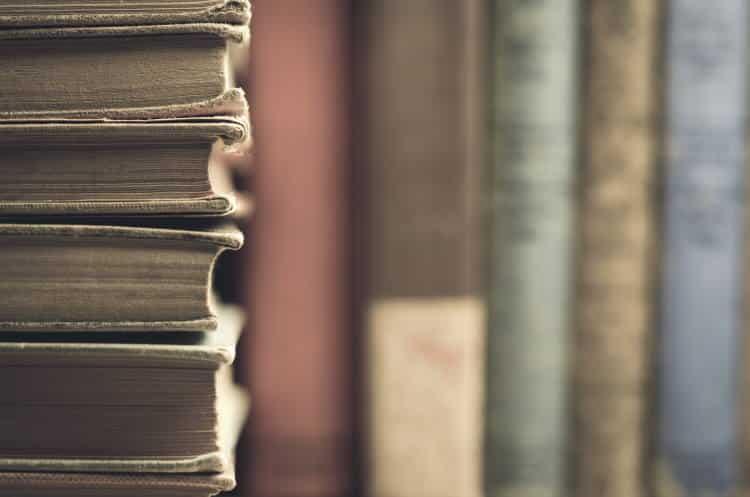 Ειδικοί κάδοι ανακύκλωσης βιβλίων και ρούχων τοποθετούνται στην Αθήνα