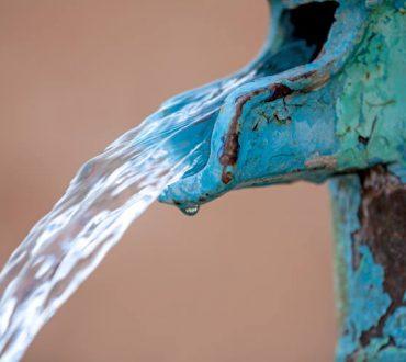 Επιστήμονες ανέπτυξαν απορροφητική συσκευή που παράγει πόσιμο νερό από αέρα