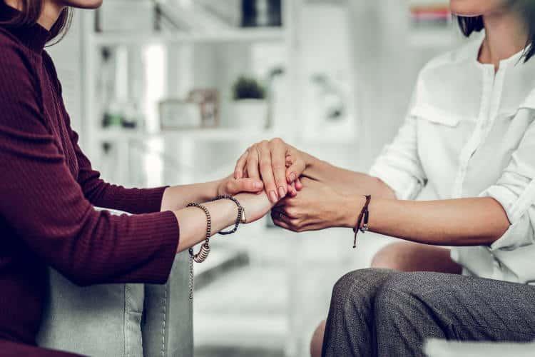 Κάποιος που σε αγαπά πραγματικά είναι δίπλα σου ακόμα και χωρίς να μιλά. Με εκείνη την ενεργητική σιωπή…