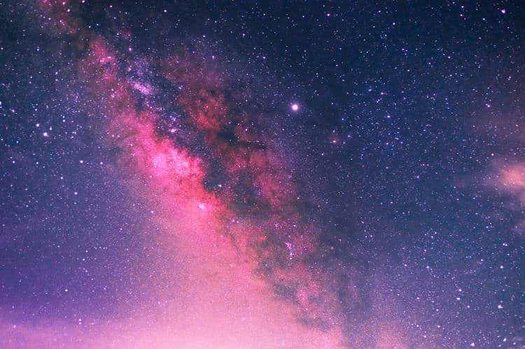Μυστήρια σήματα από το διάστημα επαναλαμβάνονται κάθε 16 μέρες και προβληματίζουν τους αστρονόμους