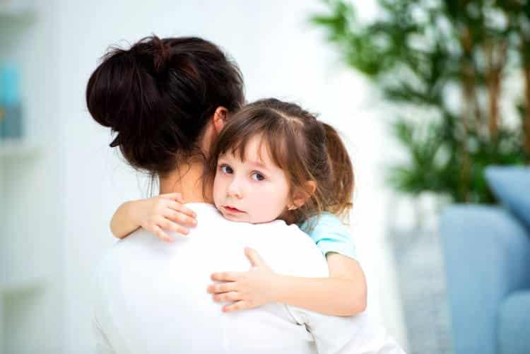 Όσο προσπαθούμε να καθορίσουμε την ευτυχία των παιδιών μας, τόσο γινόμαστε εμπόδιό της