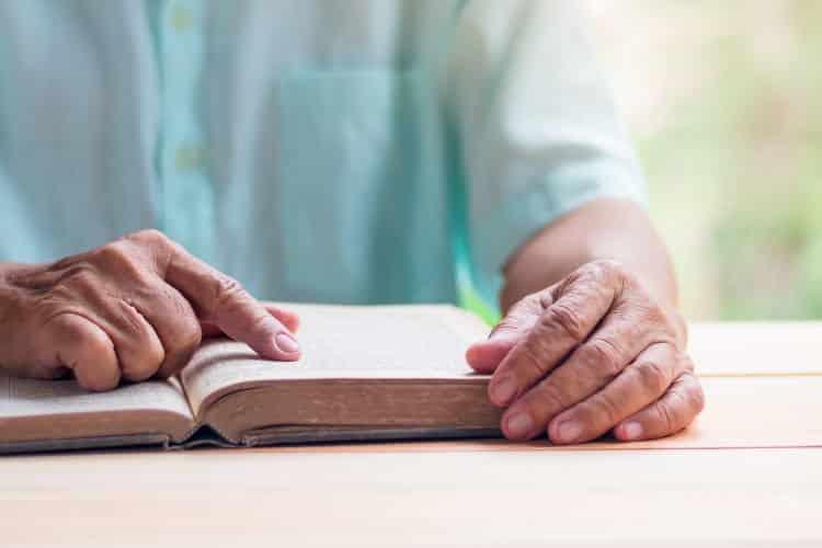 Πανεπιστήμιο Τρίτης ηλικίας: Ηλικιωμένοι άνω των 65 ετών «επιστρέφουν» στα θρανία