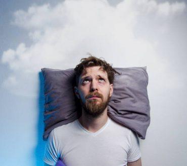 Πώς το οικονομικό στρες επηρεάζει την ποιότητα του ύπνου και 6 τρόποι να το αντιμετωπίσουμε