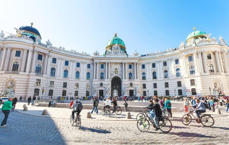 Η Βιέννη προσφέρει δωρεάν είσοδο στα μουσεία σε όσους κυκλοφορούν στην πόλη με τα πόδια ή ποδήλατο
