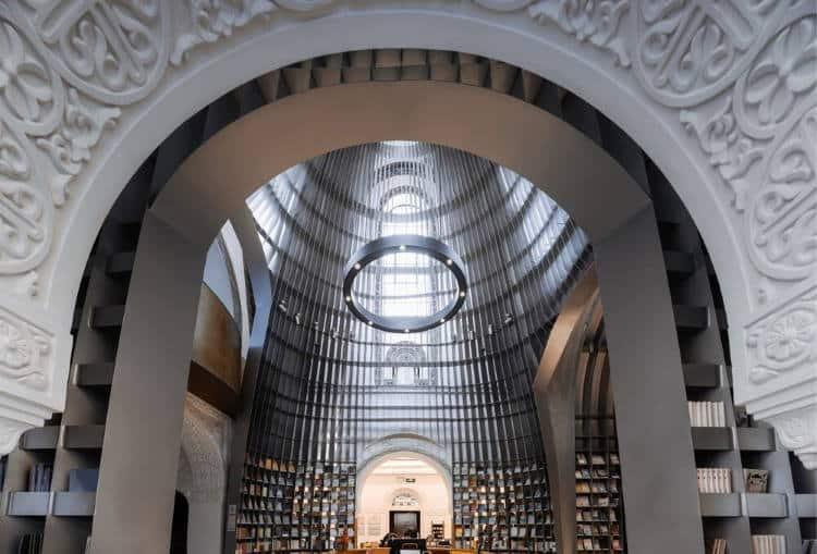 Σαγκάη: Ιστορική εκκλησία μεταμορφώνεται σε ατμοσφαιρικό βιβλιοπωλείο (Φωτογραφίες)