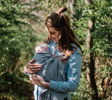 Η σωματική επαφή της μητέρας με το παιδί ενισχύει την ανάπτυξη του εγκεφάλου, σύμφωνα με έρευνα