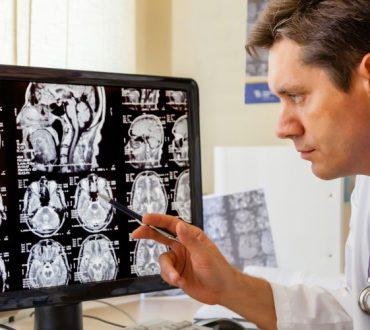 MBSR: Πως ο διαλογισμός άλλαξε την ιατρική σκέψη το 1970 και απέδειξε την επίδραση του νου στο σώμα