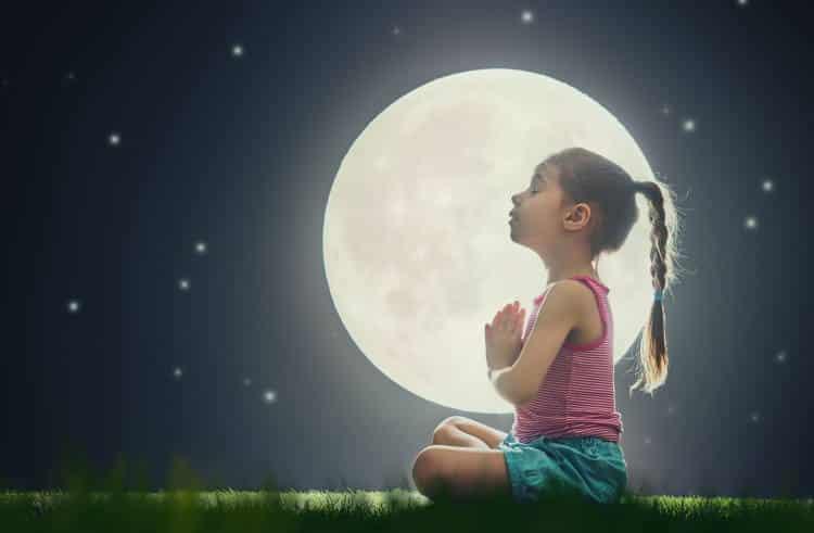 8 εύκολες ασκήσεις χαλάρωσης και συγκέντρωσης που συμβάλλουν στην ισορροπημένη ανάπτυξη του παιδιού