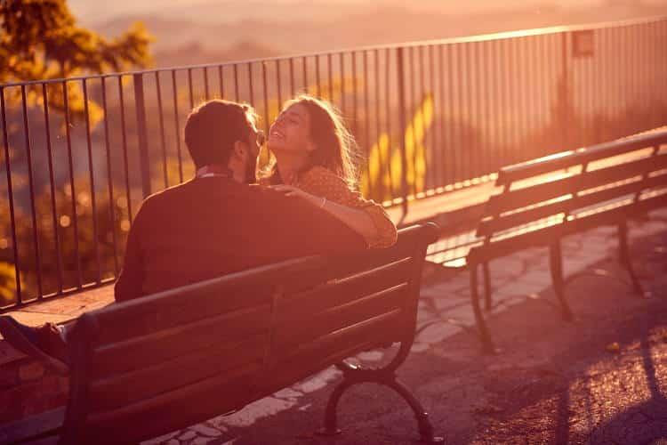 Επικοινωνία στο ζευγάρι: Με αυτούς τους τρόπους θα κανετε τη σχέση σας «καταφύγιο»