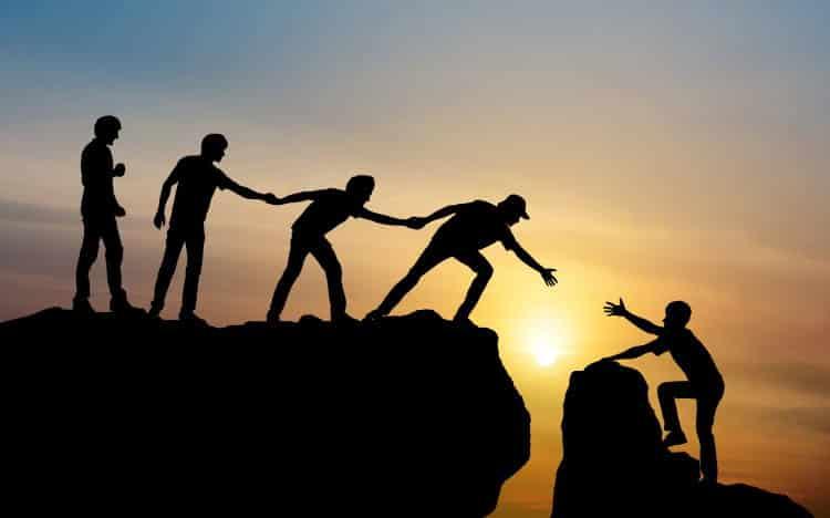 Νικόλας Σμυρνάκης: «Ηγεσία σημαίνει θετική επίδραση, η οποία προκαλείται όταν δημιουργούμε υγιείς σχέσεις με τους άλλους»