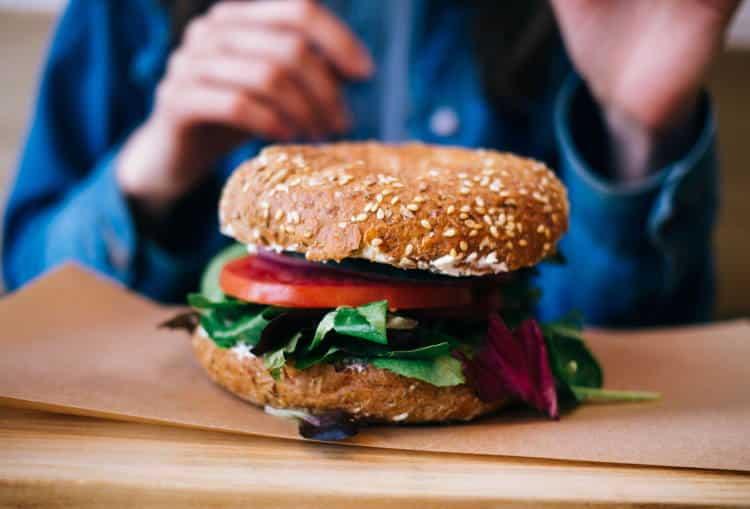 4 υποκατάστατα του κρέατος για ένα απολαυστικό χορτοφαγικό burger