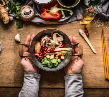 9 συχνά λάθη στη μαγειρική που κάνουν το φαγητό μας ανθυγιεινό