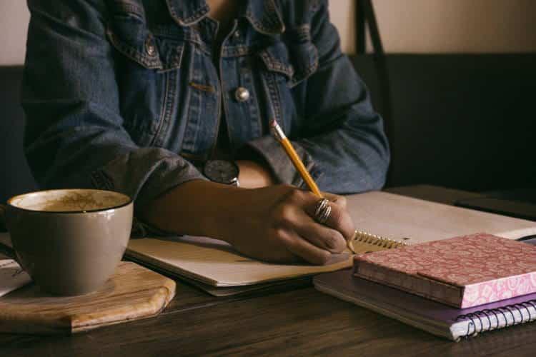 Η δημιουργική γραφή είναι το μέσο για να ξανακερδίσουμε τη δύναμη που μας ανήκει