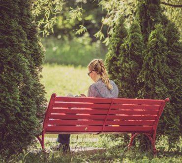 Οι ερωτικές σχέσεις δεν καθορίζουν την ευτυχία, σύμφωνα με νέα έρευνα