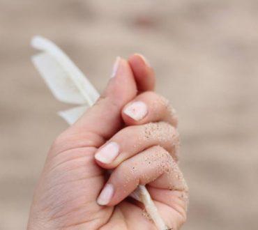 Γιατί ξεφλουδίζουν τα νύχια μου; 6 συχνές αιτίες και 4 απλές λύσεις