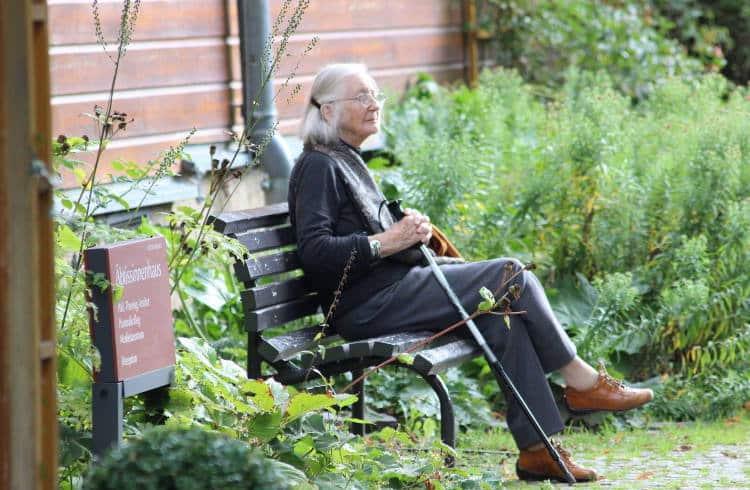 Οι ηλικιωμένοι με ταυτόχρονα προβλήματα όρασης και ακοής εμφανίζουν διπλάσιο κίνδυνο άνοιας