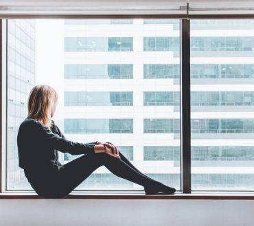 Πλήξη και ανία: Γιατί τις αισθανόμαστε και πώς μπορούν να μας φανούν χρήσιμες