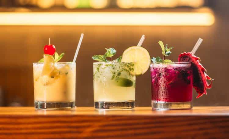 Τι συμβαίνει στο σώμα μας όταν πίνουμε αλκοόλ με άδειο στομάχι
