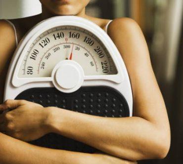 5 λόγοι που δυσκολευόμαστε να χάσουμε βάρος καθώς μεγαλώνουμε